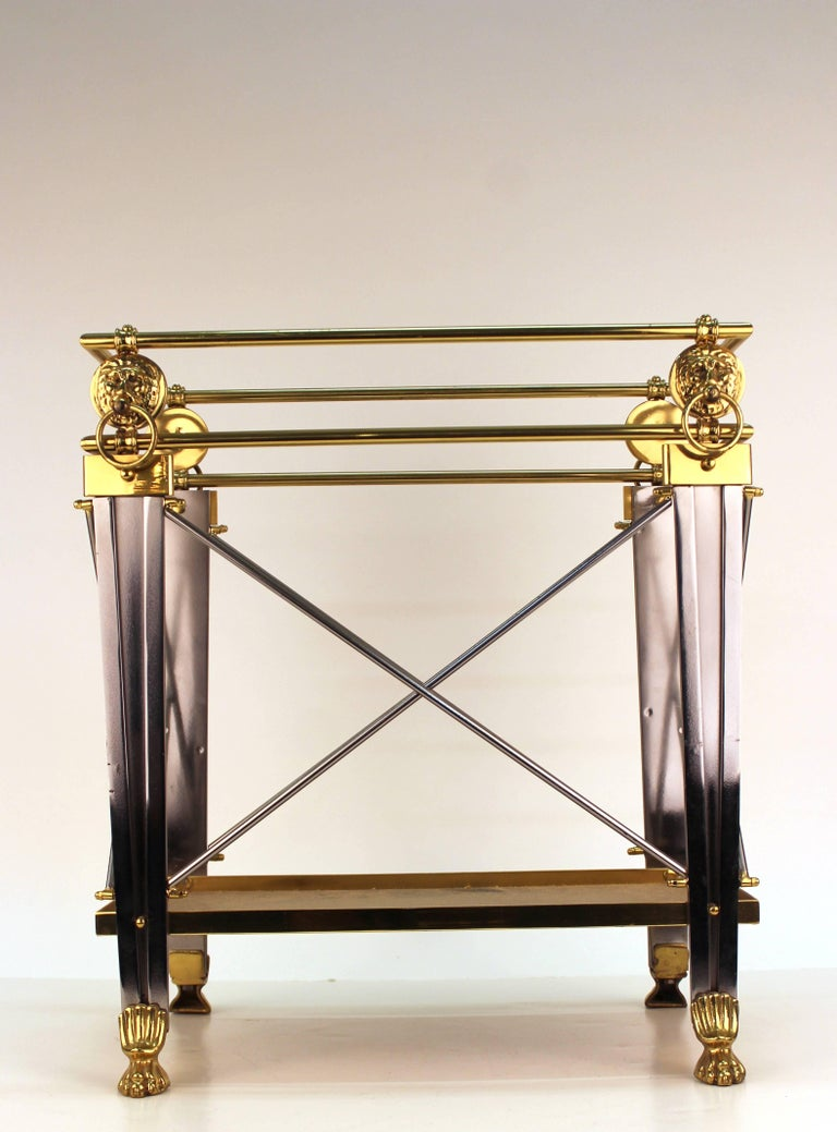 Mid-Century Magazine Holder in Brass and Metal In Excellent Condition For Sale In New York, NY