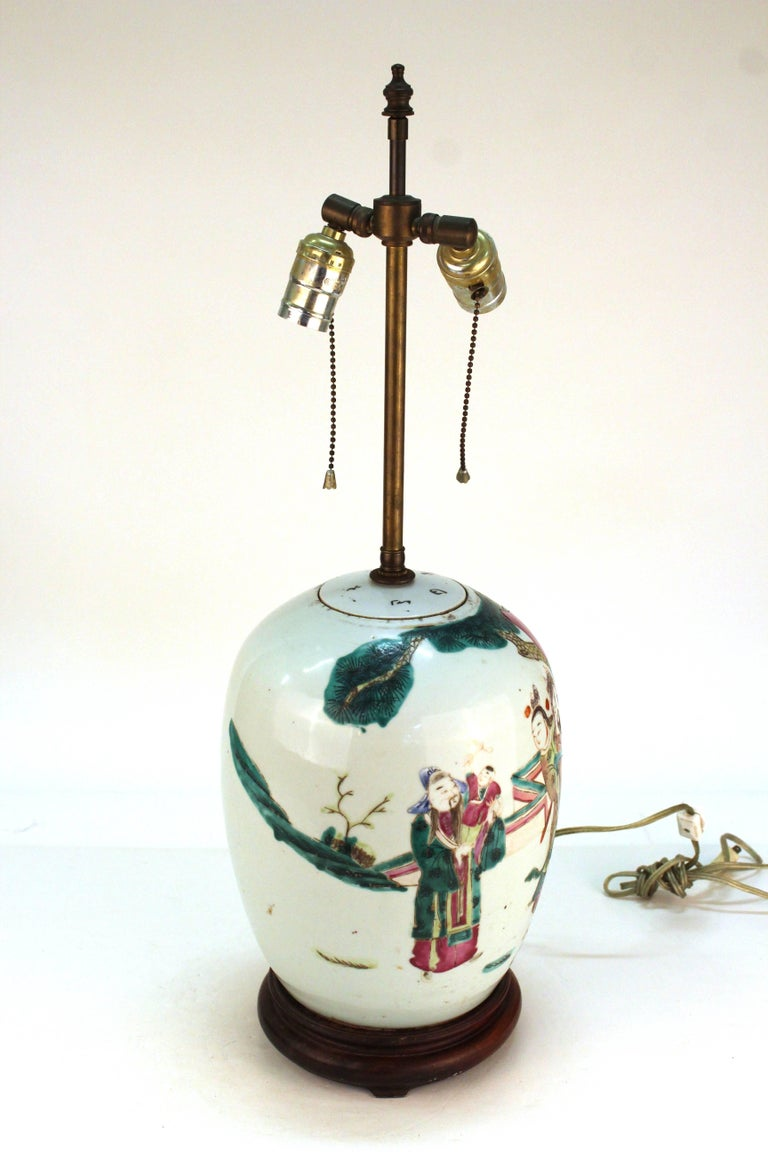 Chinese Export Chinese Famille Rose Porcelain Jar Table Lamp For Sale