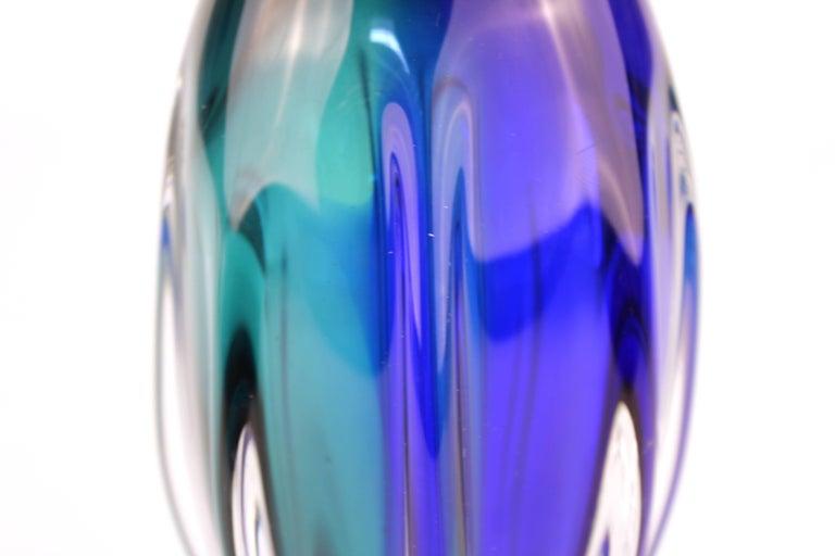 Mid-Century Modern Murano Sommerso Glass Vase For Sale 3