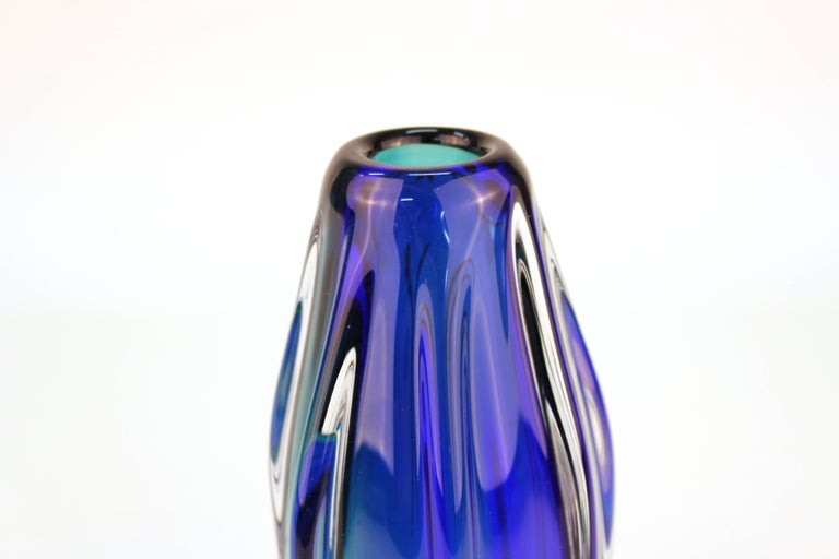 20th Century Mid-Century Modern Murano Sommerso Glass Vase For Sale