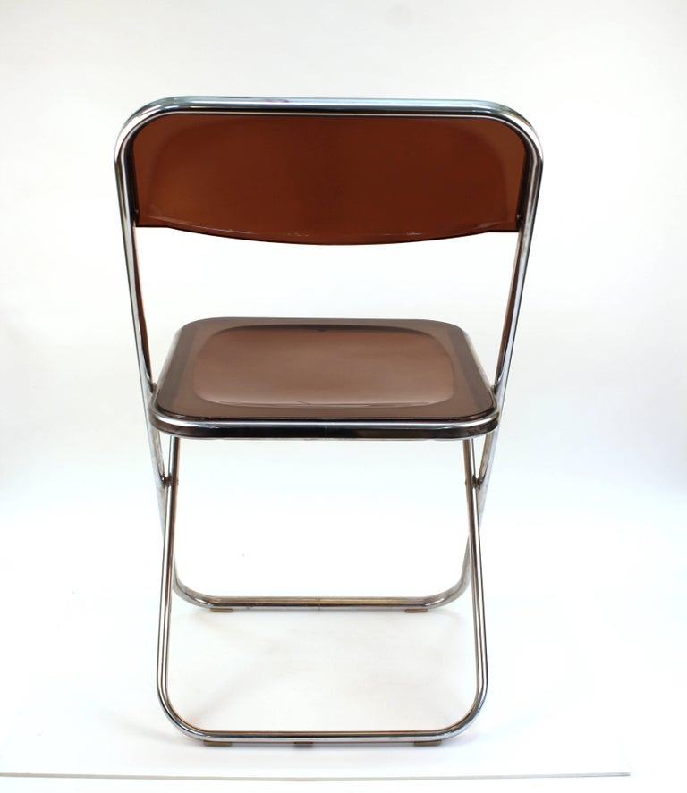 Giancarlo Piretti Plia Style Folding Chairs in Smoked Lucite In Good Condition For Sale In New York, NY