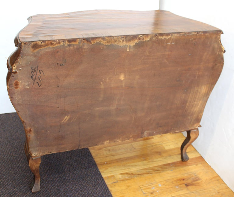 Northern Italian Rococo Manner Bombe Commode in Fruitwood For Sale 11