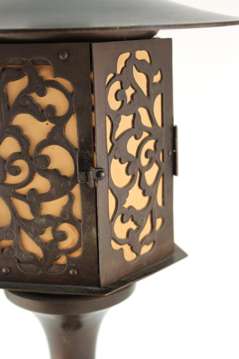 Japanese Meiji Period Bronze Lantern Table Lamp For Sale 6