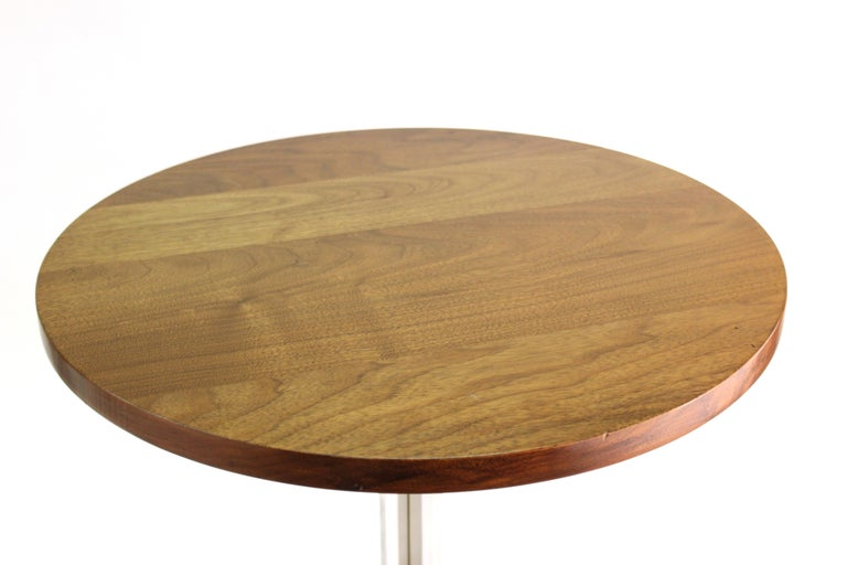 Mid-20th Century Mid-Century Modern Round Side Table in Style of Hans Eichenberger For Sale