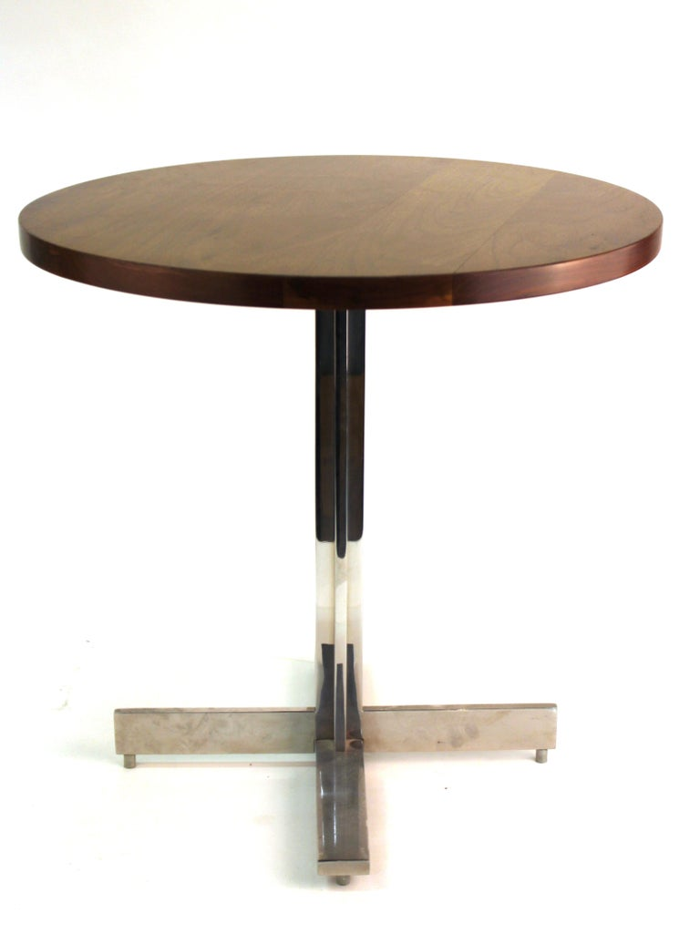 Mid-Century Modern Round Side Table in Style of Hans Eichenberger In Good Condition For Sale In New York, NY
