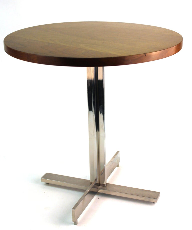 Mid-Century Modern Round Side Table in Style of Hans Eichenberger For Sale 6