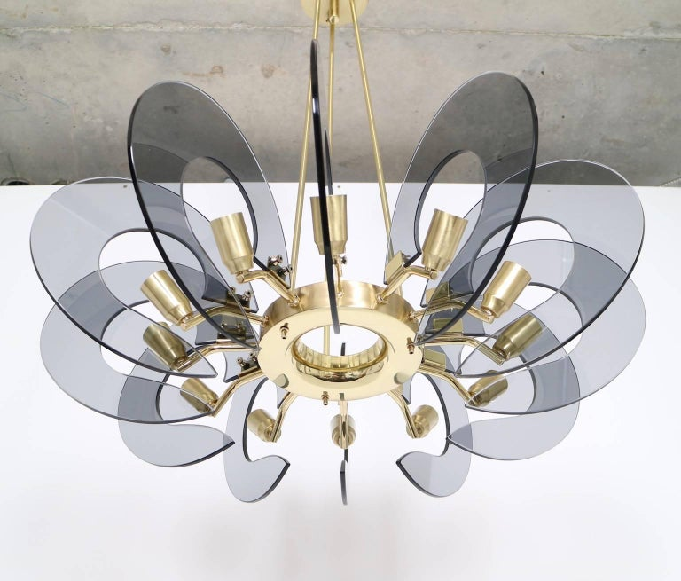 Mid-Century Modern Restored Italian Chandelier in Brass and Blue Glass, Attributed to Fontana Arte For Sale