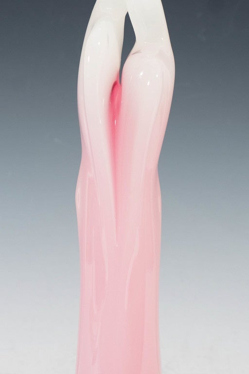 An Italian Murano Glass Opaline Sculpture of Lovers Embracing In Good Condition For Sale In New York, NY