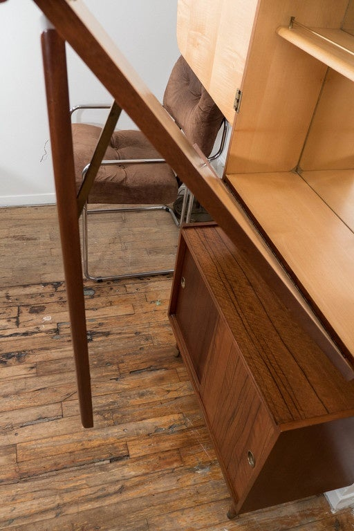 Midcentury Modern Two Tone Wood Bar and Liquor Cabinet 9