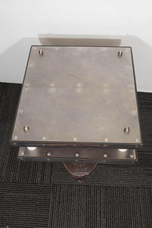 French 1940s Industrial Two-Tier Side Table in Aluminum For Sale 1