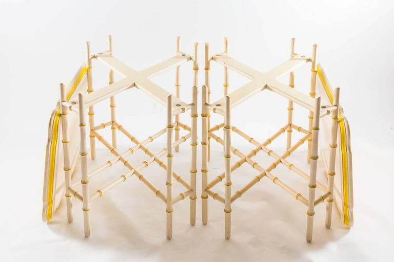 20th Century Pair of Baker Mid-Century Chinoiserie Yellow Trimmed Faux Bamboo Tray Tables For Sale