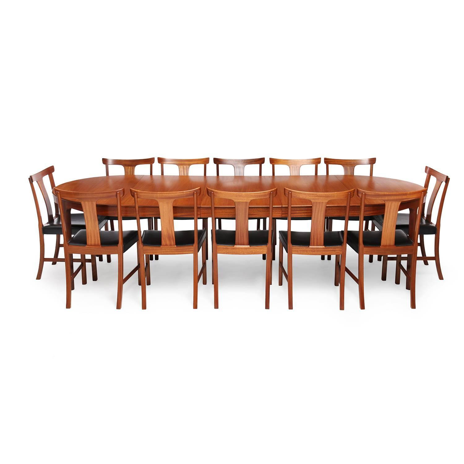 Mahogany Dining Room Table With Scalloped