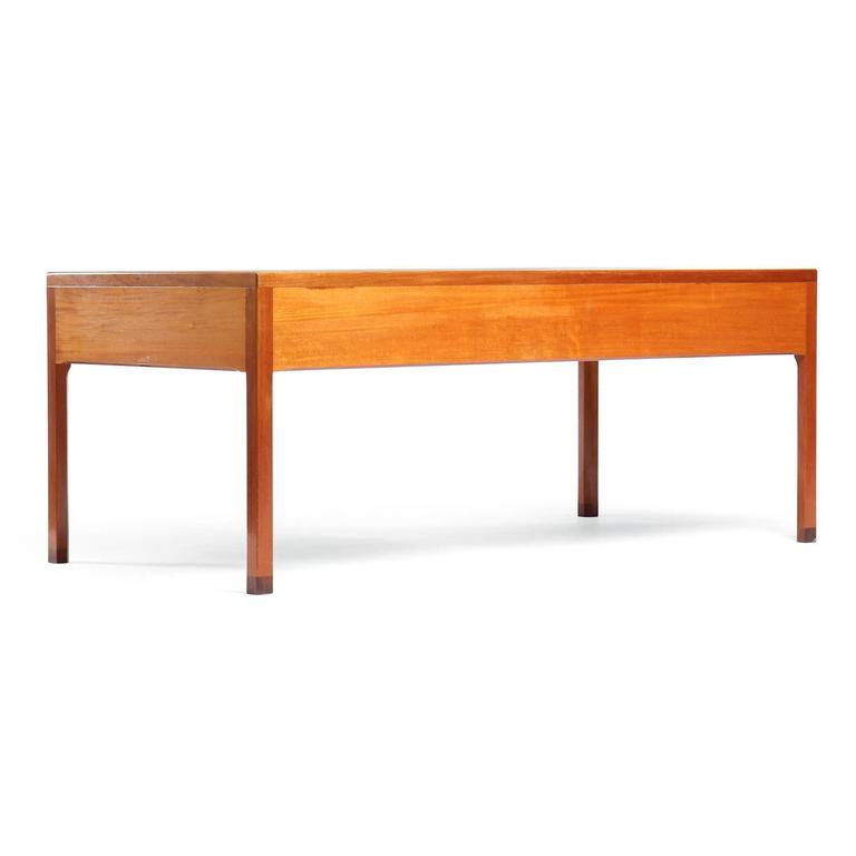 1950s Danish Superb Desk by Ejner Larsen and Aksel Bender Madsen for Willy beck In Good Condition For Sale In Sagaponack, NY