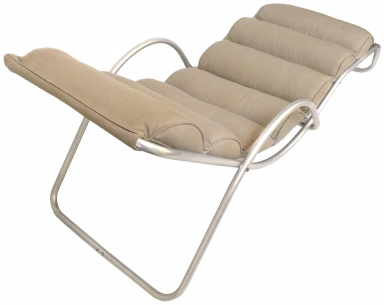 aluminum chaise longue by halliburton for sale at 1stdibs. Black Bedroom Furniture Sets. Home Design Ideas