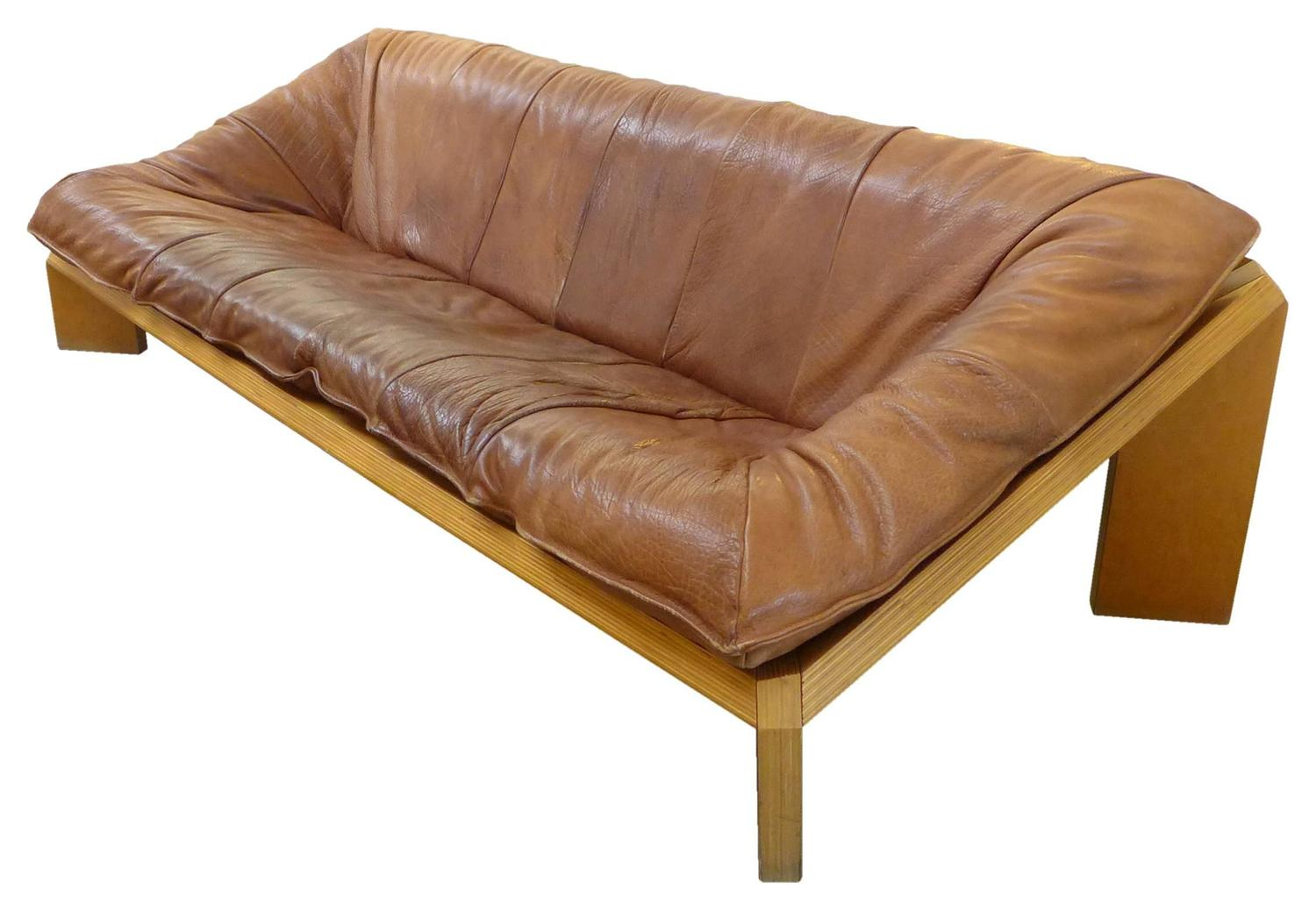 Leather And Laminated Wood Quot Oslo Quot Sofa By Gerard Van Den