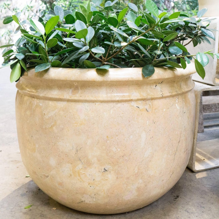 Antique Indonesian Marble Planter In Good Condition For Sale In Culver City, CA