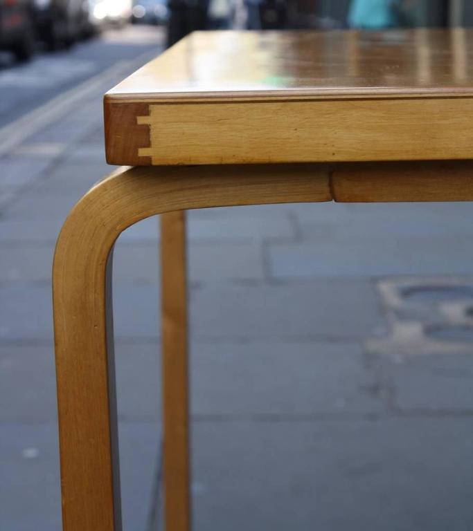 Alvar Aalto Table 81B In Excellent Condition For Sale In London, GB