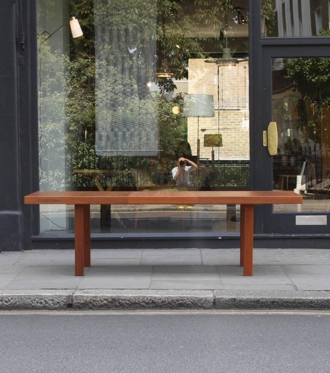 Carl-Gustaf Hiort af Ornäs 'Näyttely Junior' Extendable Dining Table In Excellent Condition In London, GB