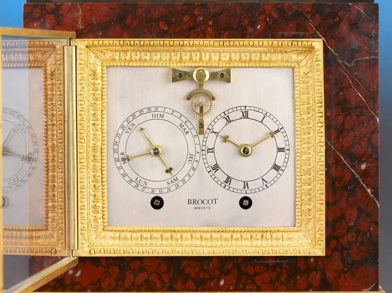 Napoleon III Sculptural Mantel Clock In Excellent Condition For Sale In New Orleans, LA