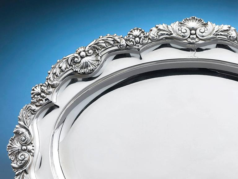 This exquisite Regency silver meat dish by master silversmith Paul Storr is a work of sublime beauty. Magnificently detailed with scrolling acanthus and shell accents, bordering the scalloped rim, this dish is a wonderful example of the English