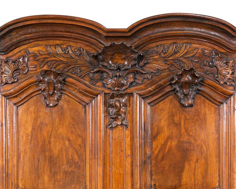 French Provincial Double Door Armoire In Excellent Condition For Sale In New Orleans, LA