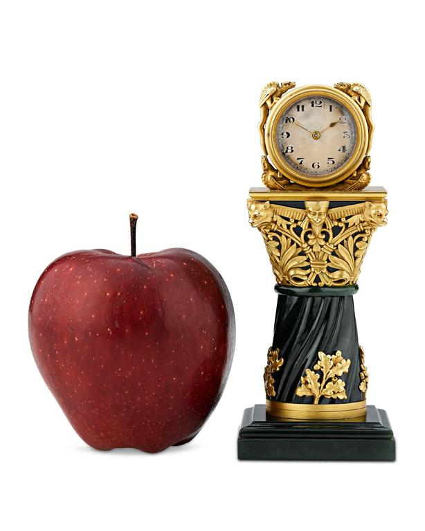 Paul Frey Miniature 18-Karat Gold and Jade Clock In Excellent Condition For Sale In New Orleans, LA