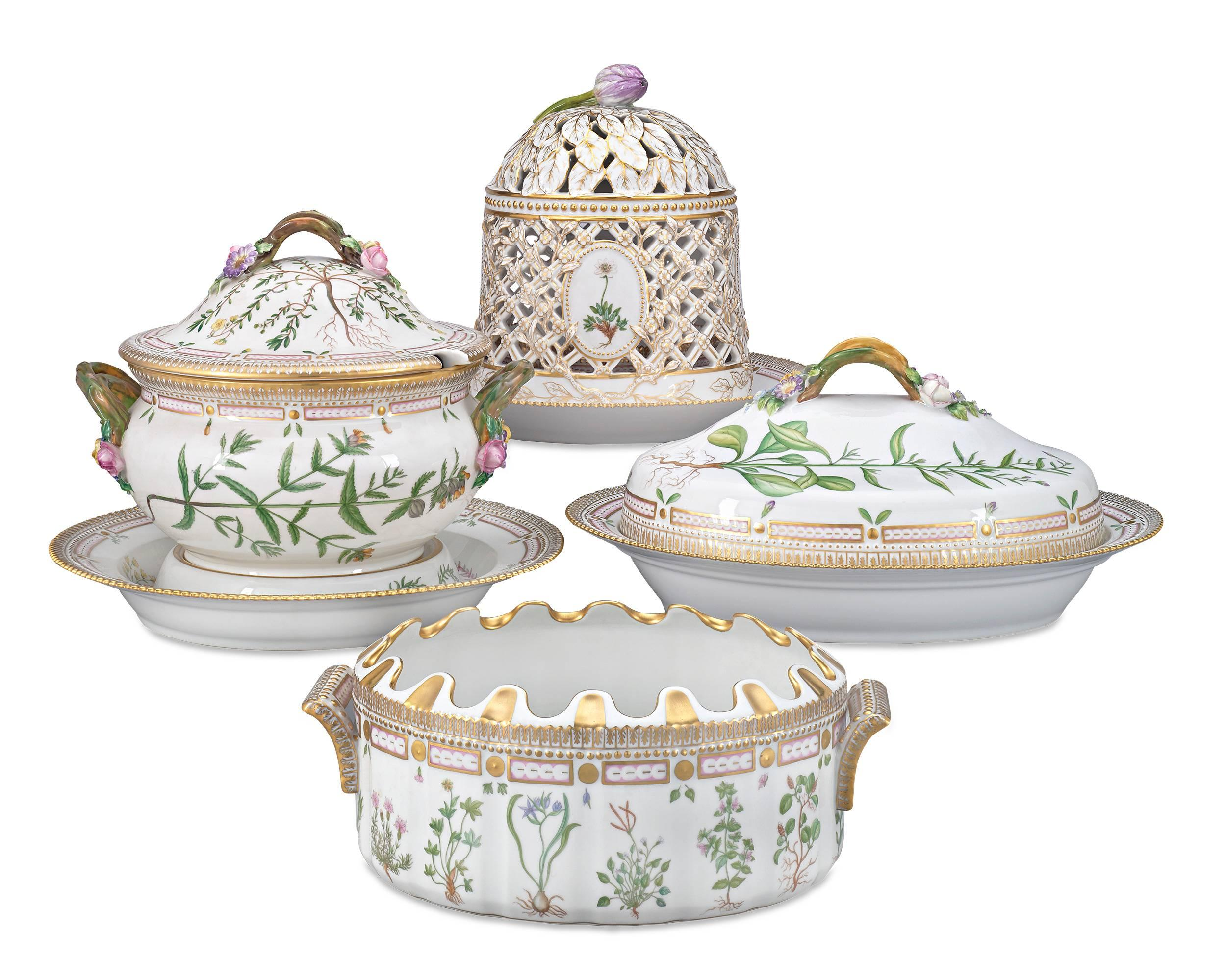 Synonymous with royalty since its inception the Royal Copenhagen Porcelain Manufactoryu0027s resplendent Flora Danica porcelain  sc 1 st  1stDibs & 143 Piece Flora Danica Porcelain Dinner Service by Royal Copenhag ...