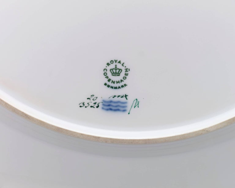 Hand-Painted 143 Piece Flora Danica Porcelain Dinner Service by Royal Copenhag For Sale