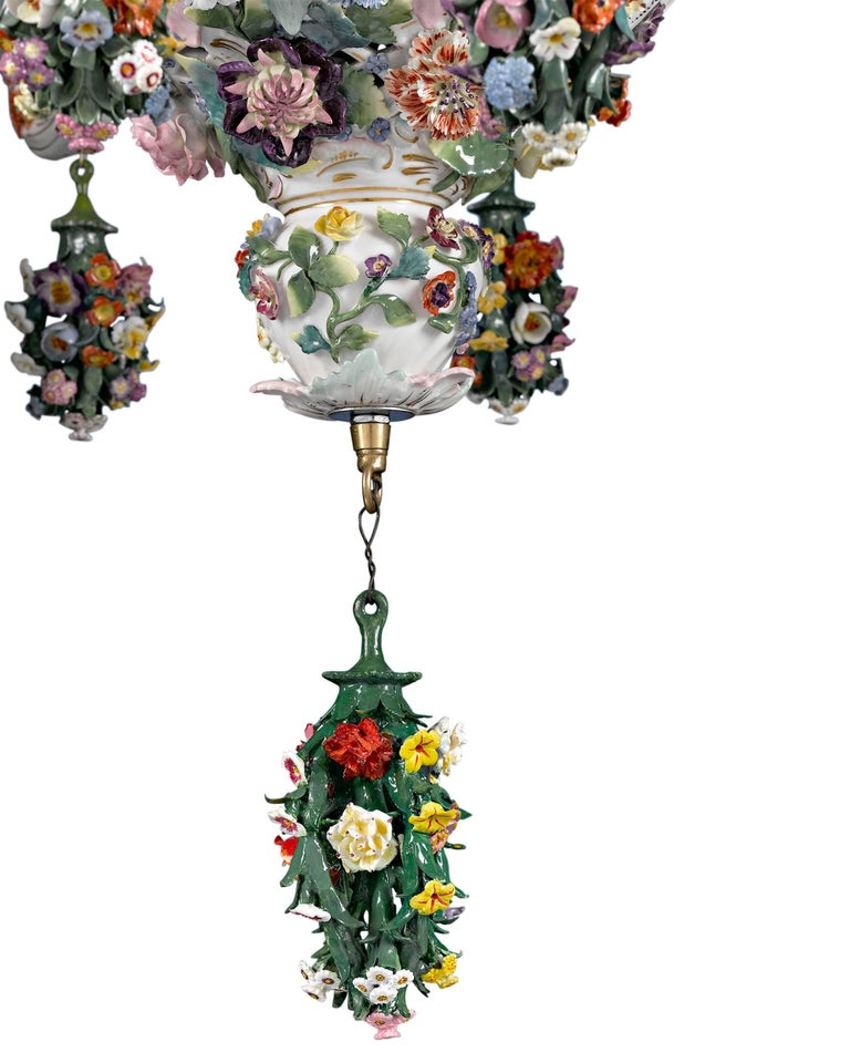 Rococo Meissen Porcelain 12-Light Chandelier For Sale