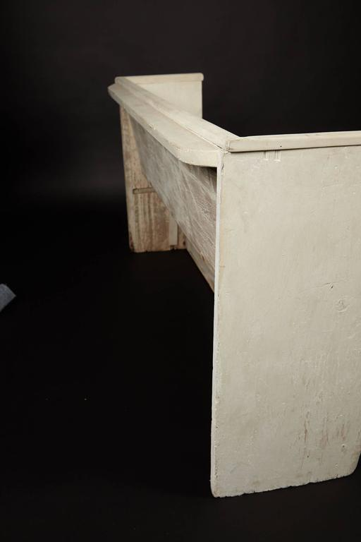 1890s Whitewashed Church Pew In Good Condition For Sale In New Rochelle, NY