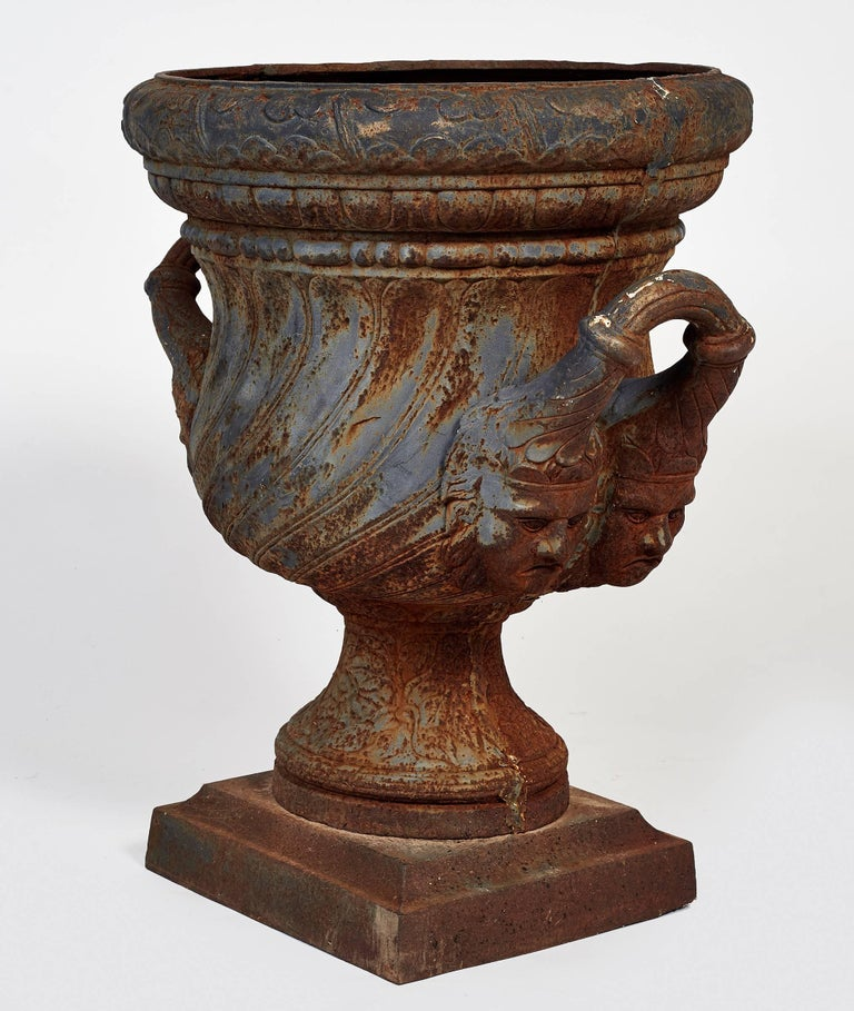 19th Century Pair of Iron Garden Urns In Distressed Condition For Sale In New Rochelle, NY