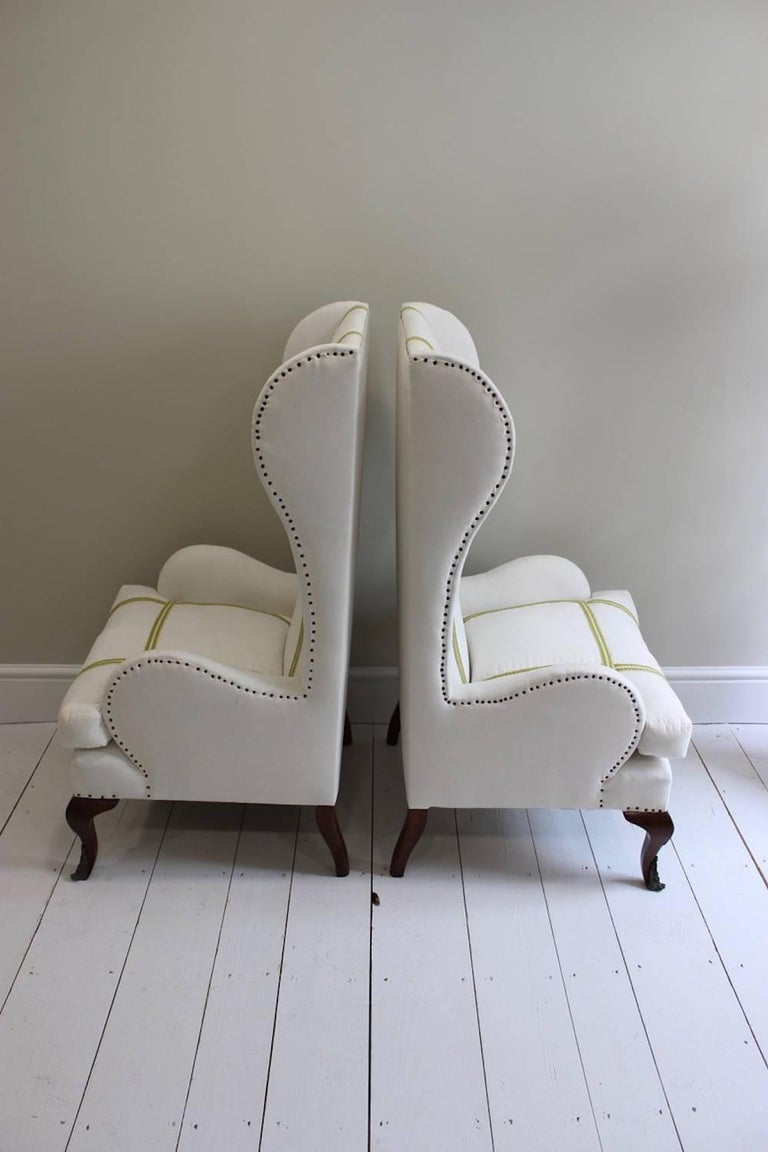 Pair of Early 20th Century Spanish Walnut Wing Armchairs For Sale 1