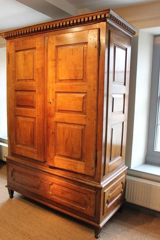 late 18th century louis xvi armoire at 1stdibs. Black Bedroom Furniture Sets. Home Design Ideas