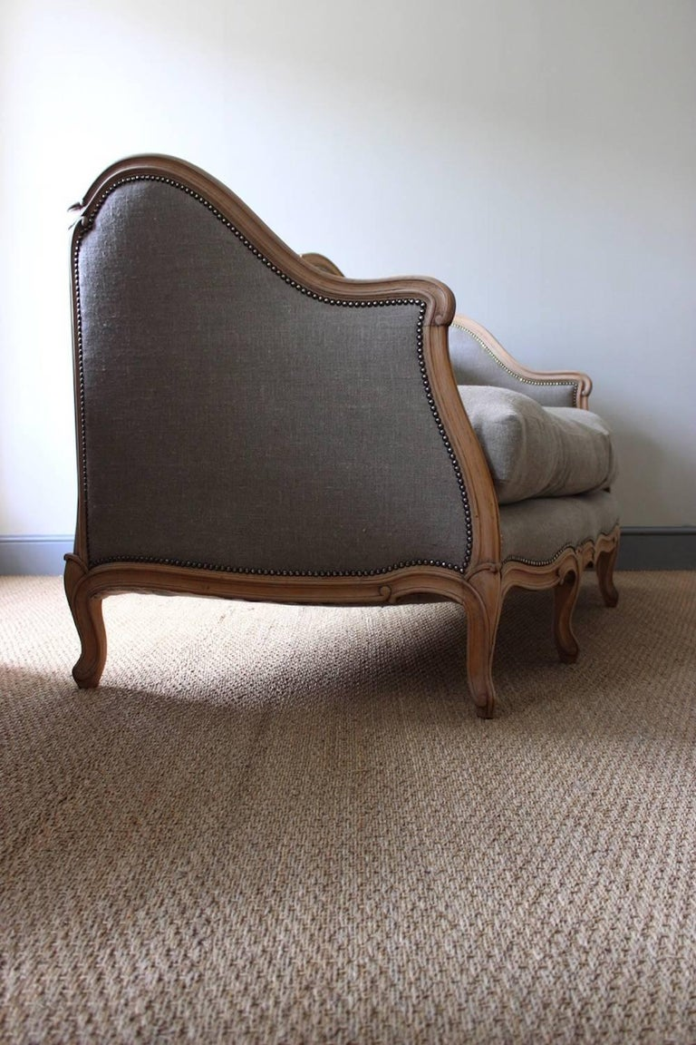 French Louis XV Style Linen Sofa, circa 1900 For Sale 2