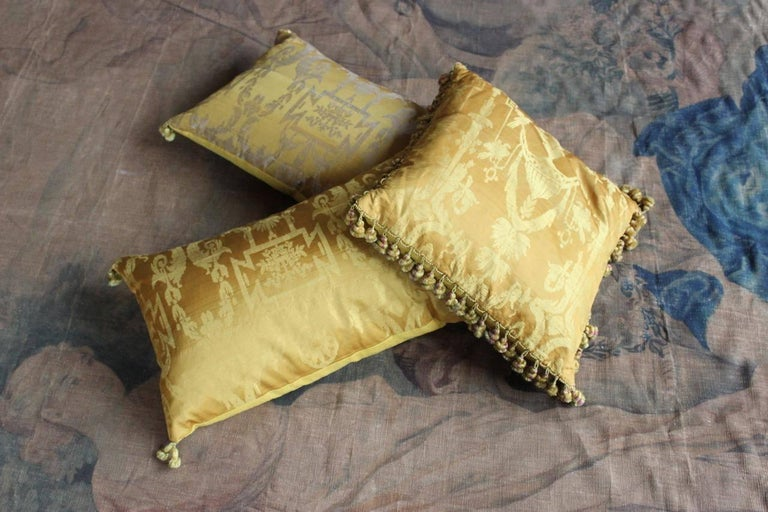 Fine 19th Century French Silk Damask Cushion For Sale 3