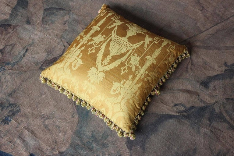 Fine 19th Century French Silk Damask Cushion For Sale 5