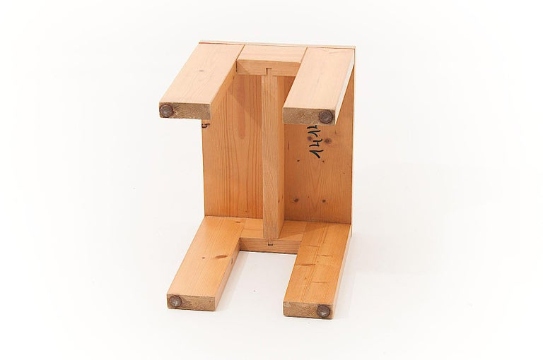 French Charlotte Perriand Stool in Pine, for les Arcs ski Resort in the 1960s, Blond For Sale