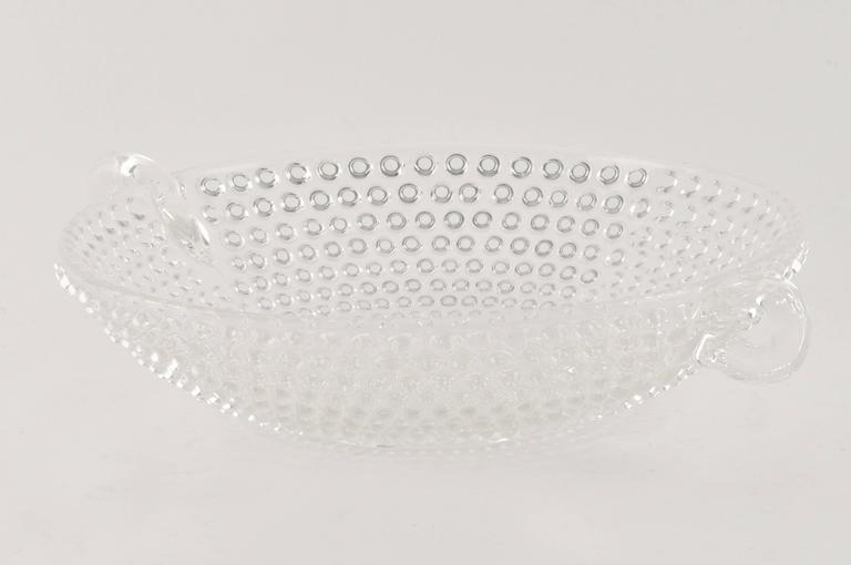 1950 Italian glass bowl or centerpiece, Mid-Century Modern, in the tradition of the great Italian manufacturer as Venini.