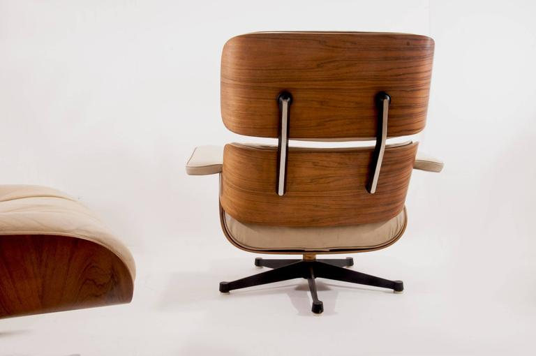 Herman Miller Lounge Chair with Ottoman, Produced by Mobilier International 4