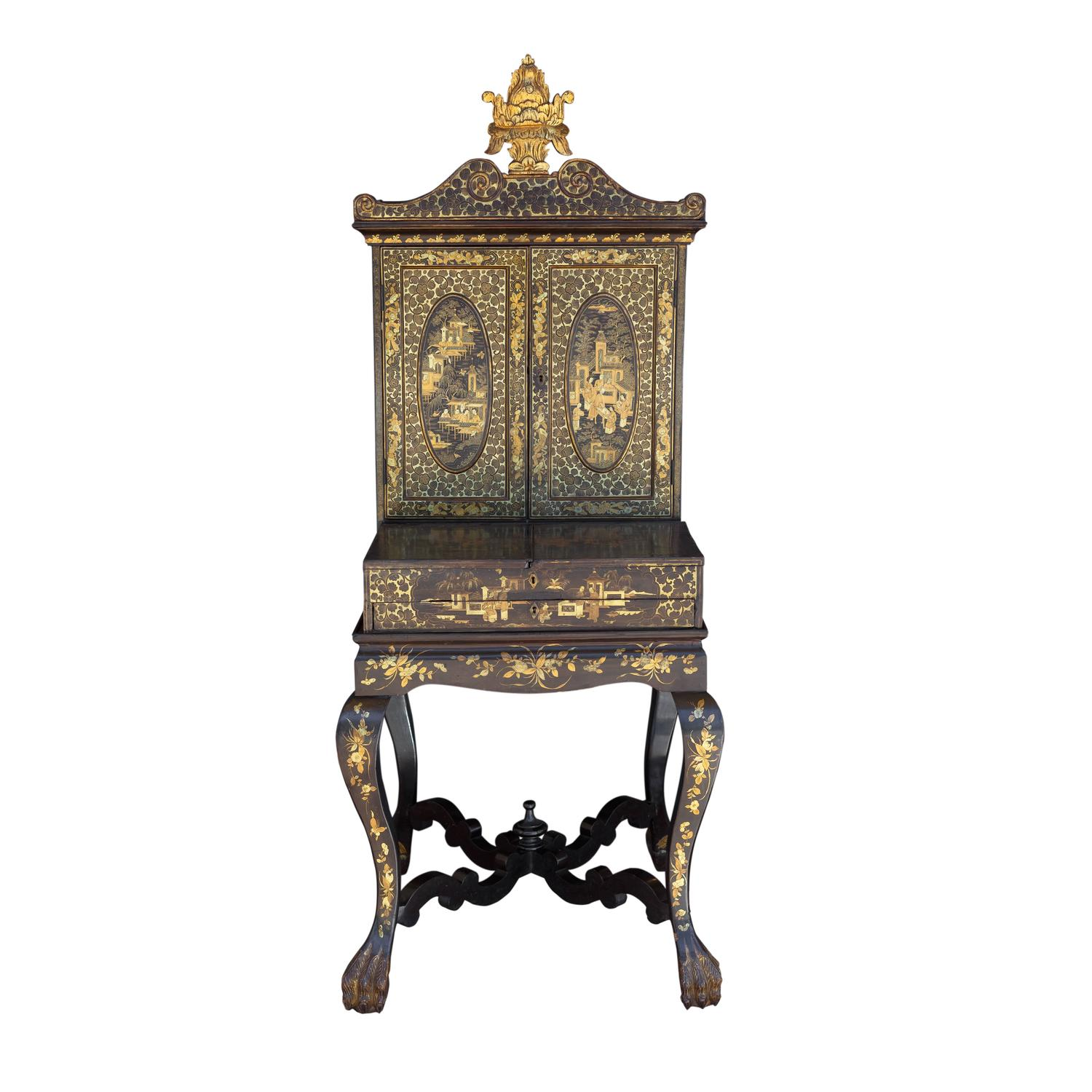 19th Century Chinoiserie Black Lacquer And Gilt Painted Vanity Cabinet On  Stand For Sale At 1stdibs