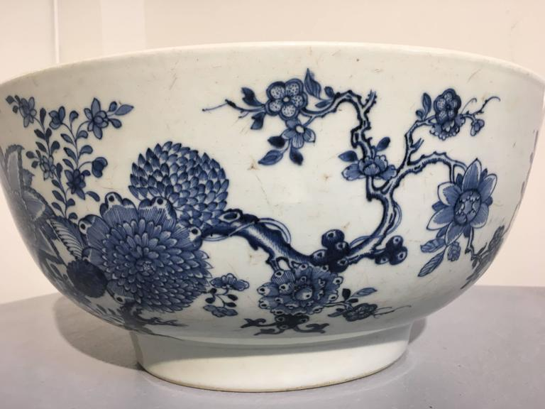 Large Chinese Export Punchbowl with Staple Repairs, 18th Century For Sale 3