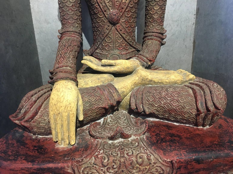 Life-Sized Burmese Dry Lacquer Buddha in Royal Attire, Early 20th Century For Sale 4