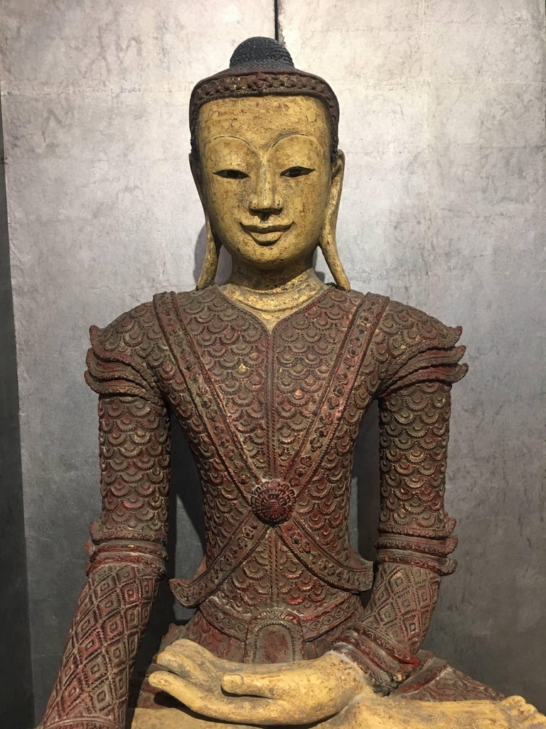 Life-Sized Burmese Dry Lacquer Buddha in Royal Attire, Early 20th Century For Sale 1
