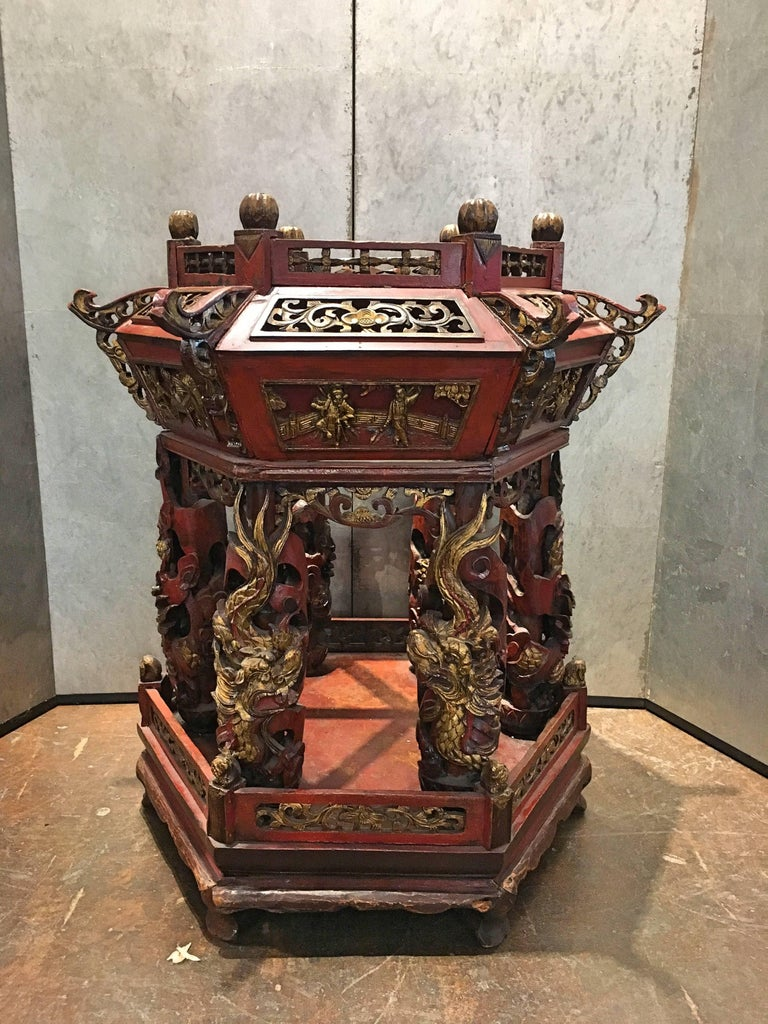 19th Century Large Chinese Lacquered and Gilt Wooden Model of a Pagoda or Pavilion For Sale