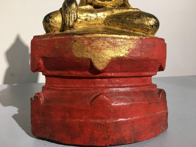 Shan Burmese Lacquered and Gilt Wood Buddha, Ava Period, 18th Century For Sale 2