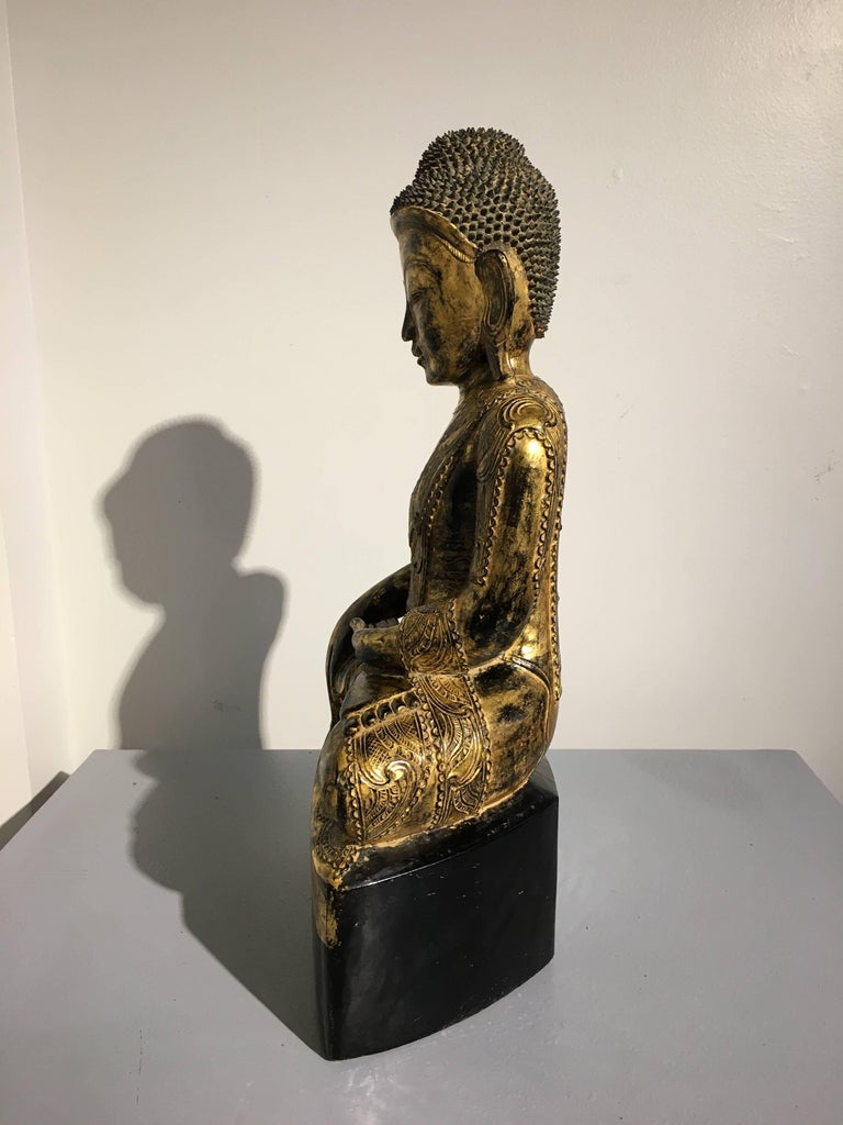 Burmese Ava Period Carved, Lacquered and Giltwood Buddha, Late 18th Century In Good Condition For Sale In Austin, TX
