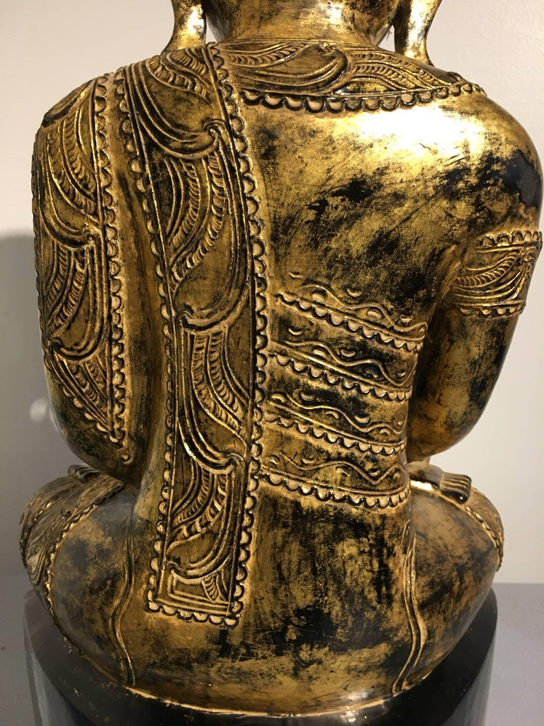 Burmese Ava Period Carved, Lacquered and Giltwood Buddha, Late 18th Century For Sale 5