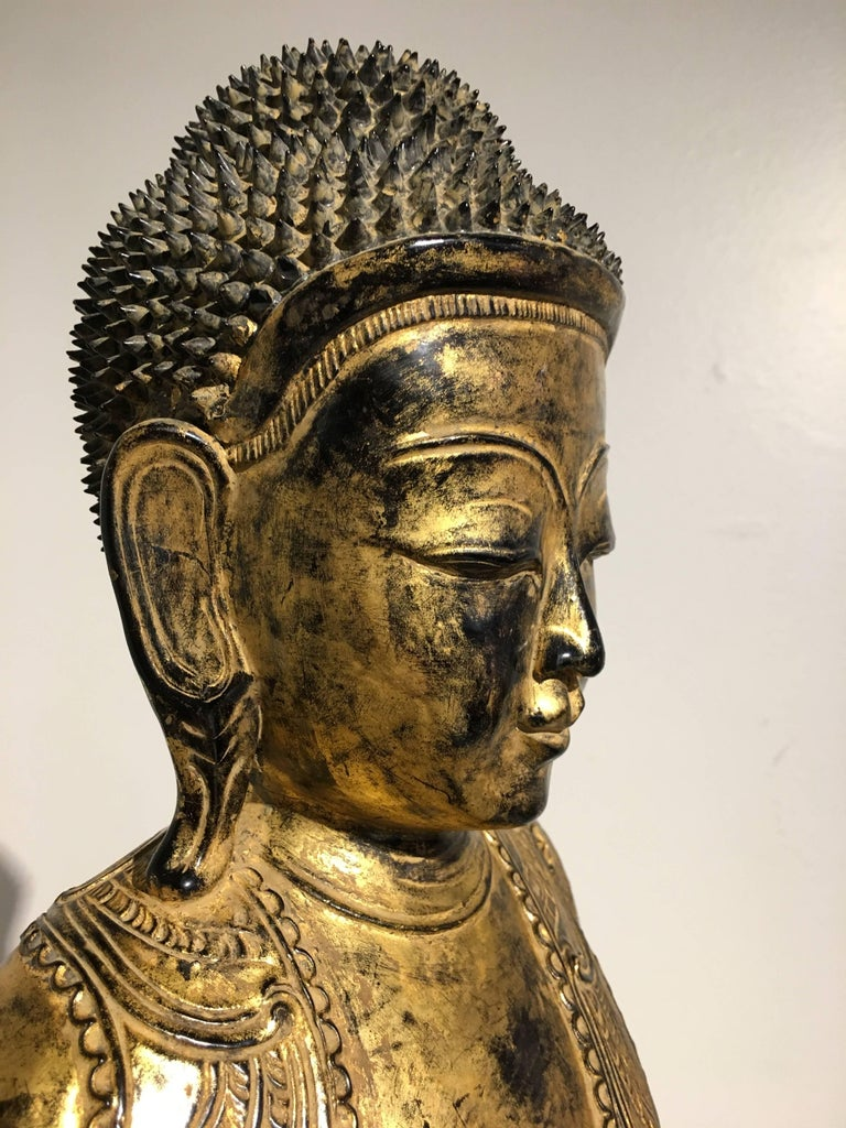 Burmese Ava Period Carved, Lacquered and Giltwood Buddha, Late 18th Century For Sale 2