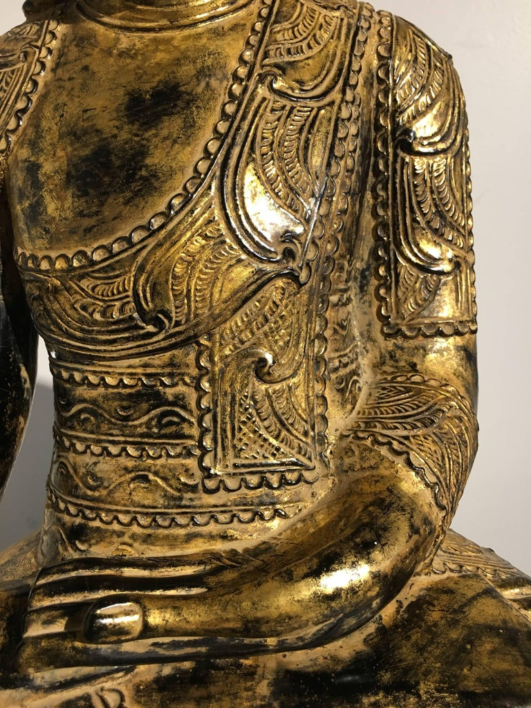 Burmese Ava Period Carved, Lacquered and Giltwood Buddha, Late 18th Century For Sale 4