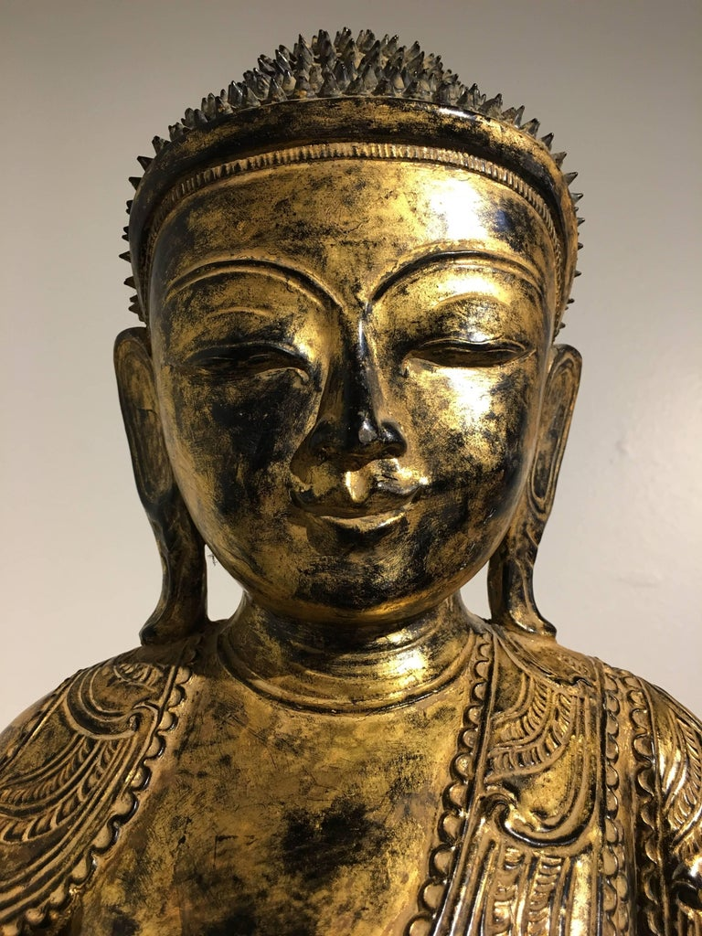 Burmese Ava Period Carved, Lacquered and Giltwood Buddha, Late 18th Century For Sale 3